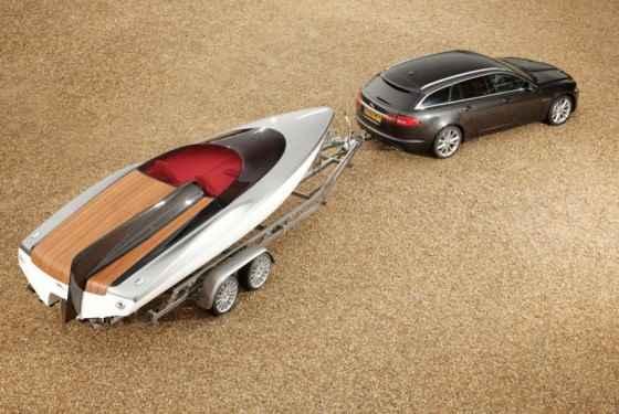 Jaguar XF Sportbrake z łodzią - informacje