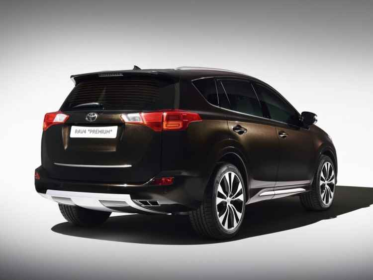Toyota RAV4 Premium (2013)