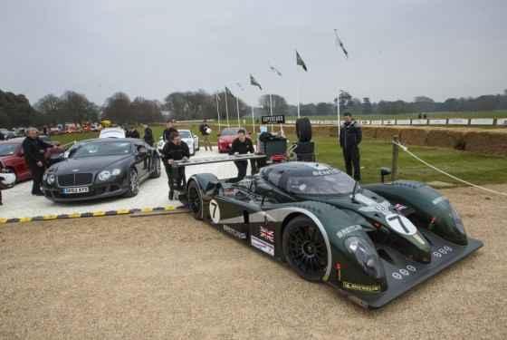 Bentley na festiwalu prędkości w Goodwood
