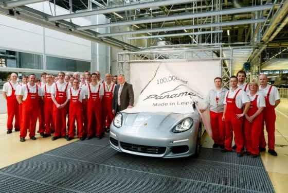 Porsche Panamera z numerem 100 000
