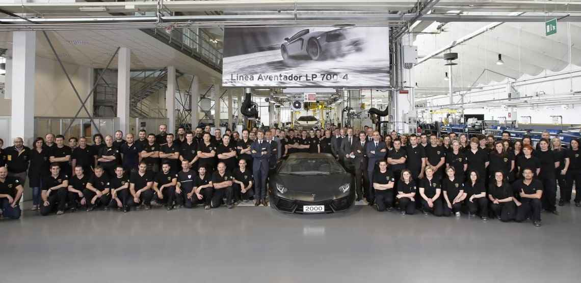 Lamborghini Aventador numer 2000