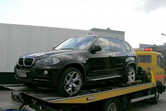 Kradzione czarne BMW X5
