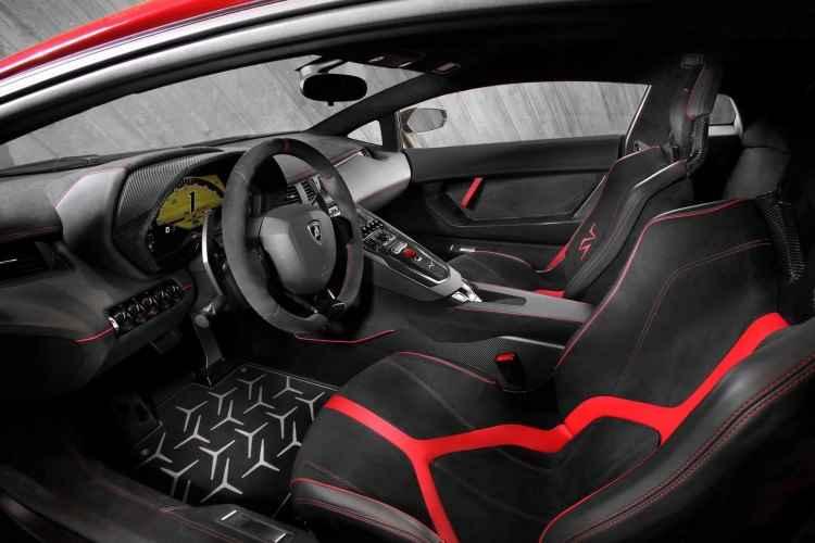 Lamborghini Aventador LP 750-4 SV (2015)