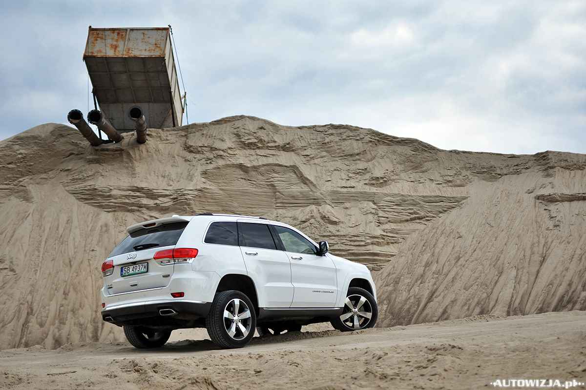 jeep grand cherokee v6 3 0 crd overland summit auto test motoryzacja. Black Bedroom Furniture Sets. Home Design Ideas