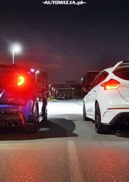 Ford Focus RS vs Honda Civic Type R