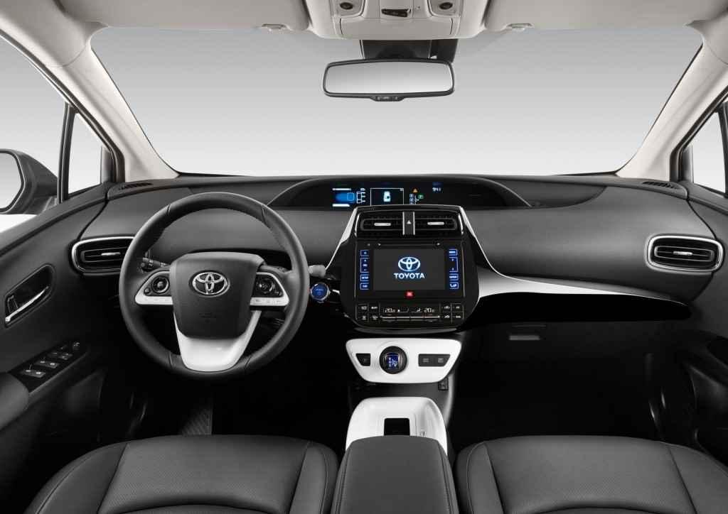 Toyota-Prius-2016-4