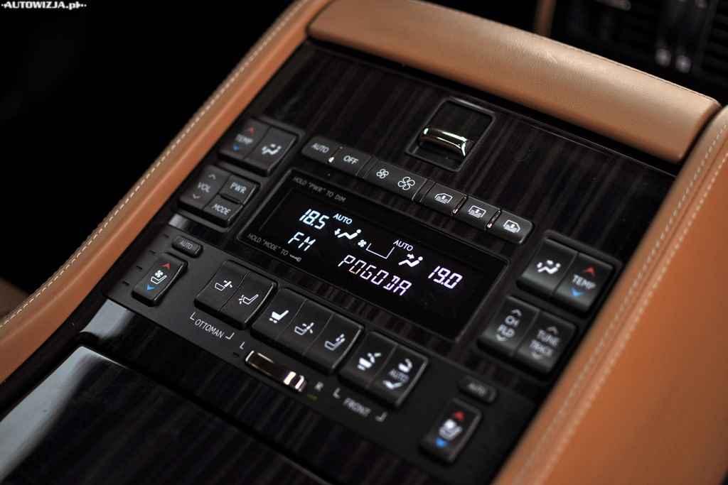 Lexus LS600h L