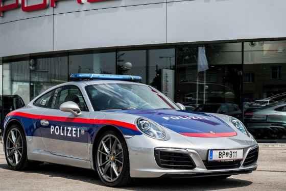 Policyjne Porsche 911