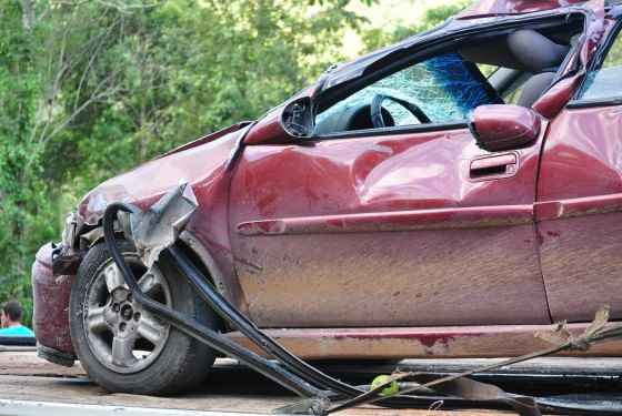 uszkodzony-samochod-corsa