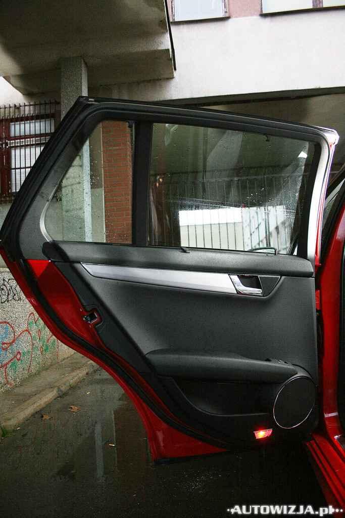 mercedes c kombi 180 kompressor auto test motoryzacja. Black Bedroom Furniture Sets. Home Design Ideas