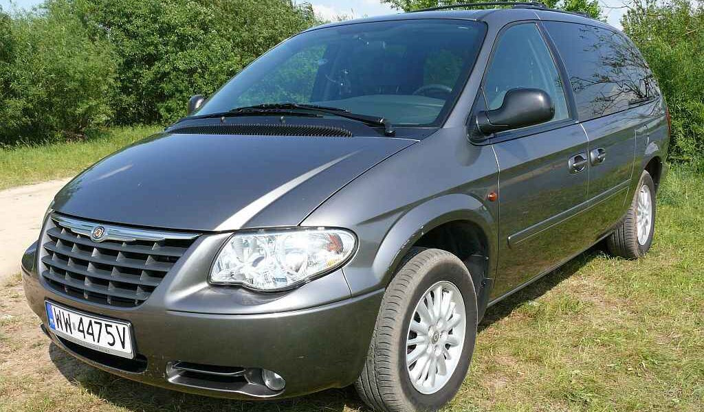 chrysler grand voyager 2 8 crd stow n go auto test. Black Bedroom Furniture Sets. Home Design Ideas