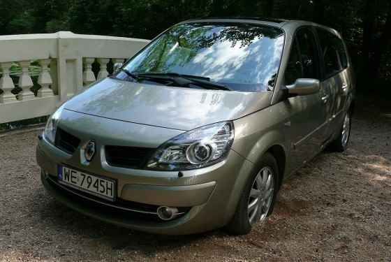 renault-grand-scenic-dci-2007-1