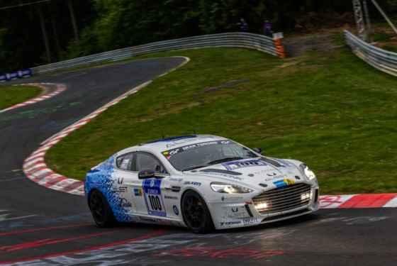 Aston Martin Hybrid Hydrogen Rapide S podczas 24-godzinnego wyścigu na Ringu