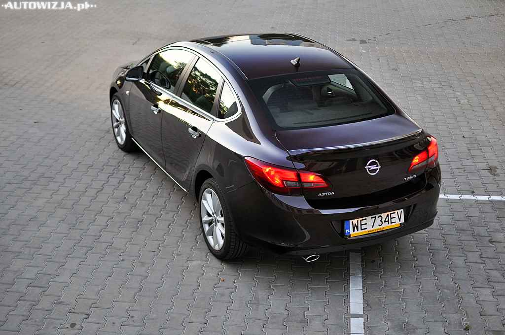 opel astra sedan 1 4 turbo executive auto test motoryzacja. Black Bedroom Furniture Sets. Home Design Ideas