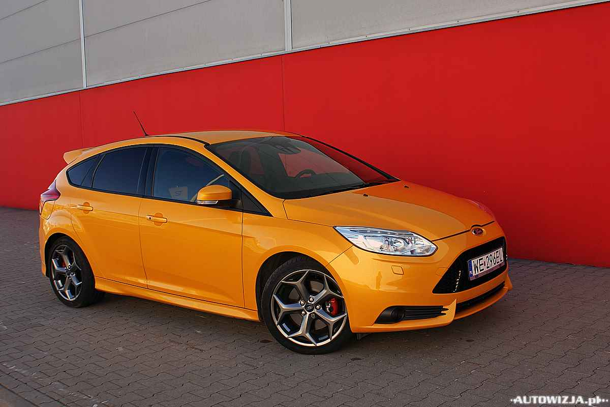 ford focus st 2 0 ecoboost auto test. Black Bedroom Furniture Sets. Home Design Ideas
