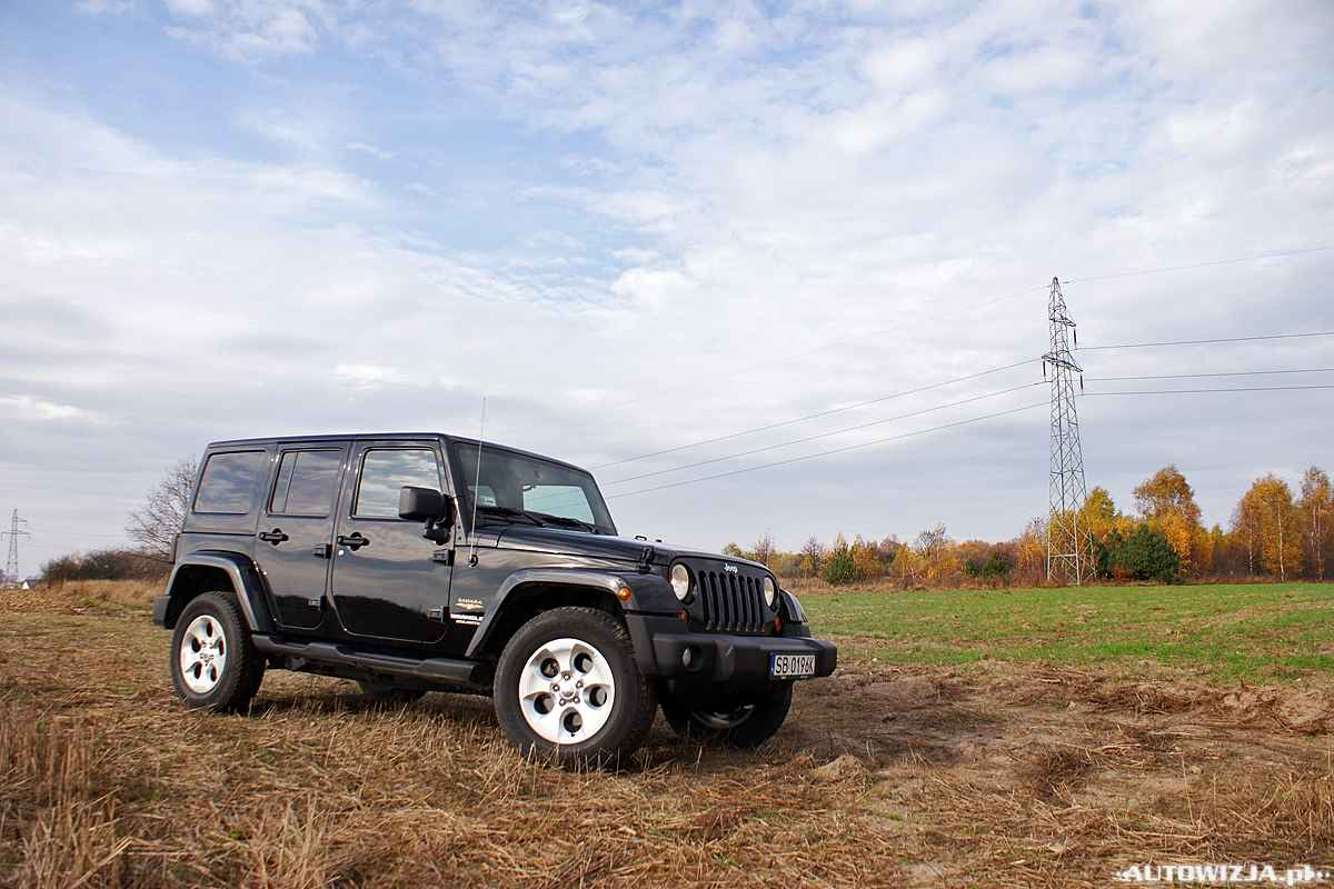 jeep wrangler unlimited 3 6 v6 sahara auto test. Black Bedroom Furniture Sets. Home Design Ideas