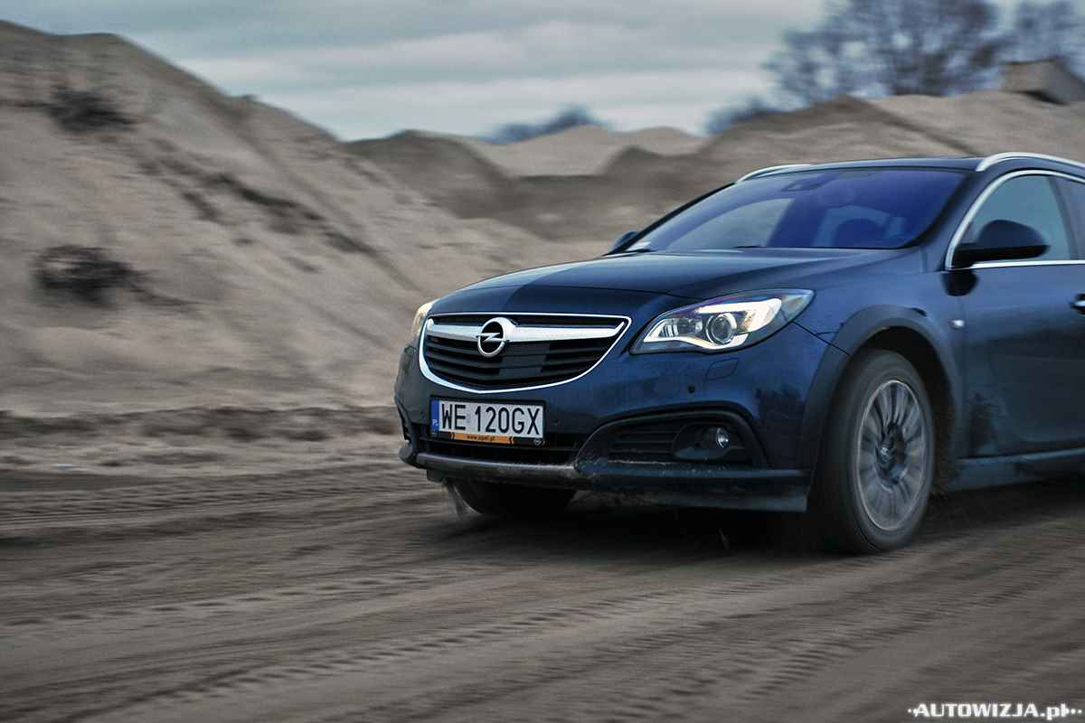 opel insignia country tourer 4x4 auto test motoryzacja. Black Bedroom Furniture Sets. Home Design Ideas