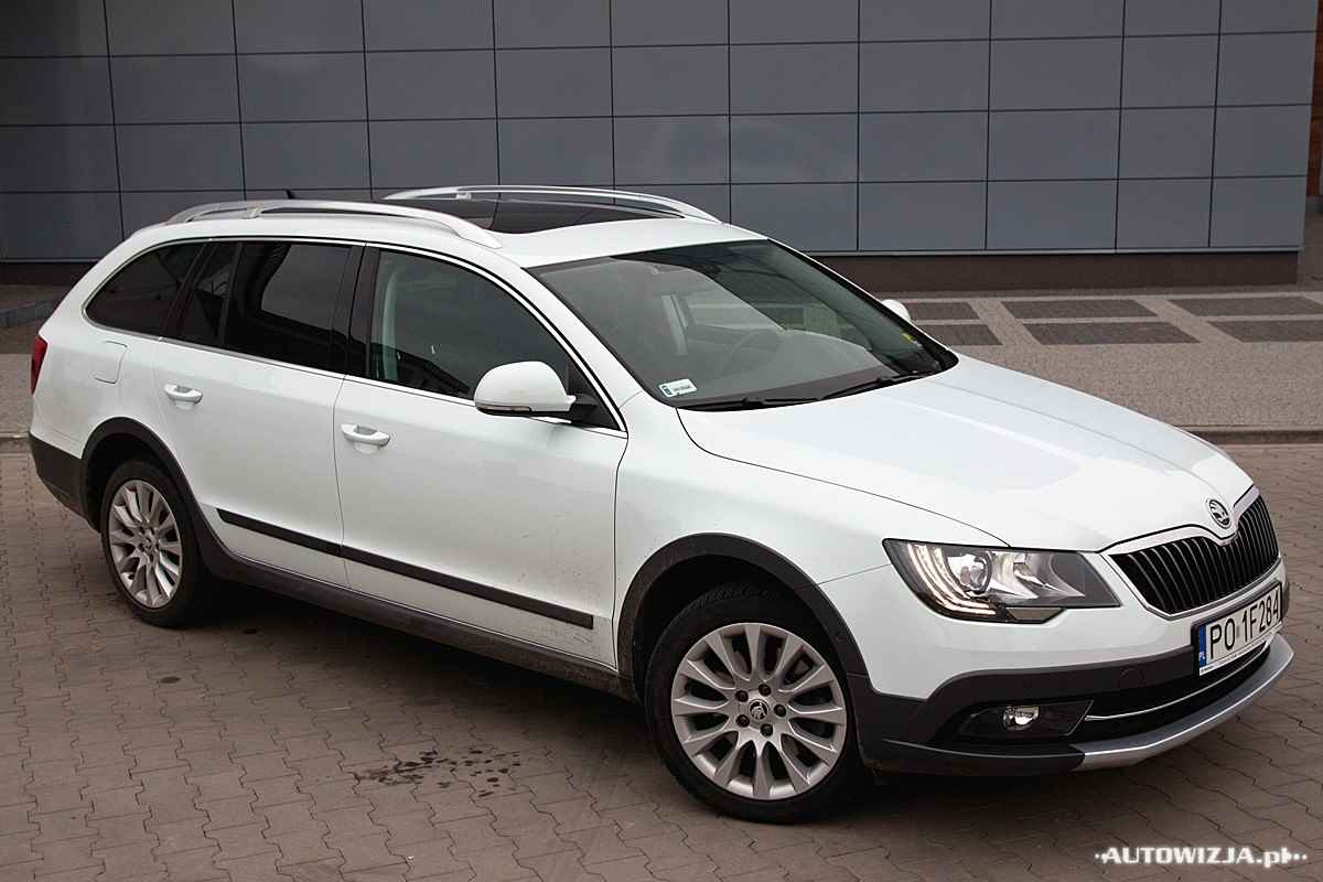skoda superb combi 2 0 tdi 4x4 elegance outdoor auto test motoryzacja. Black Bedroom Furniture Sets. Home Design Ideas