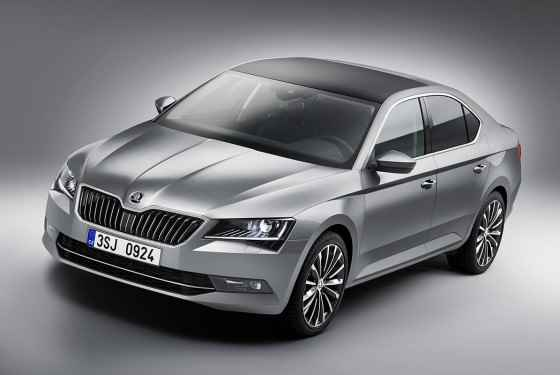 Nowa Skoda Superb 2015
