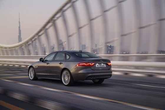 Nowy Jaguar XF (2015)