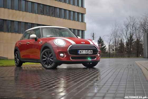 MINI Cooper 5D 1.5 l 136 KM Steptronic