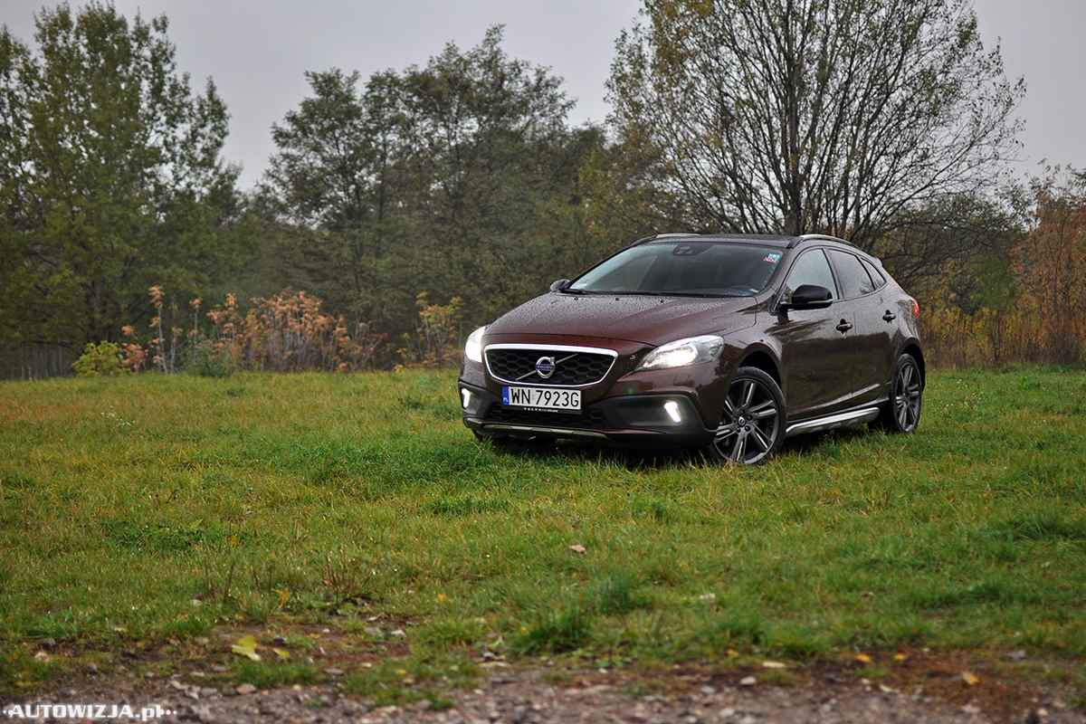 volvo v40 cross country summum d3 geartronic auto test. Black Bedroom Furniture Sets. Home Design Ideas