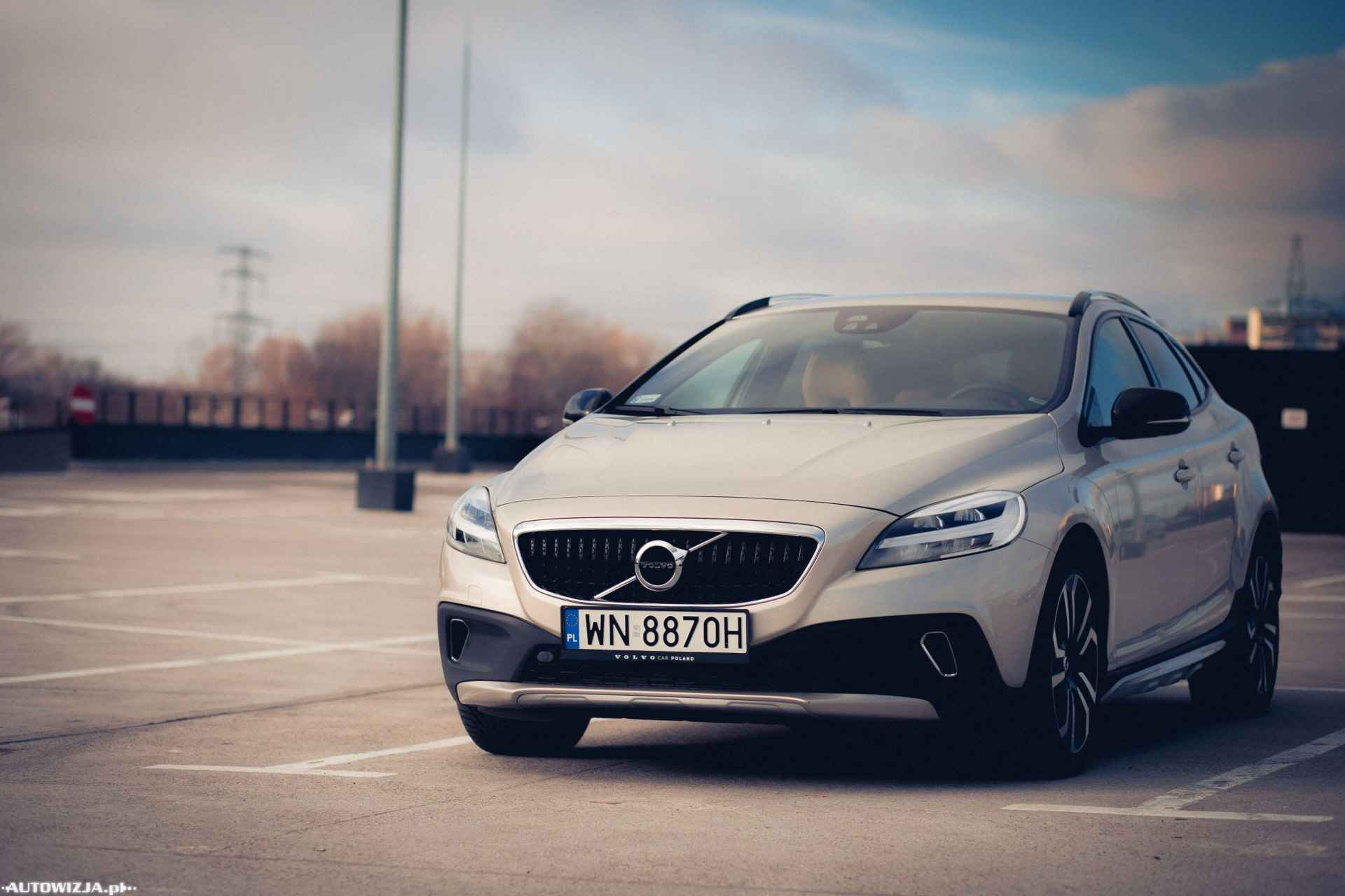 volvo v40 cross country summum t5 awd geartronic auto. Black Bedroom Furniture Sets. Home Design Ideas