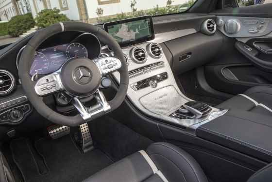 Mercedes-AMG C 63 S Cabriolet, selenitgrau metallic; AMG Leder Nappa schwarz/schwarz;Kraftstoffverbrauch kombiniert: 10,4 l/100 km; CO2-Emissionen kombiniert: 236 g/km*  Mercedes-AMG C 63 S Cabriolet, selenite grey metallic; AMG nappa leather black;Fuel consumption combined: 10.4 l/100 km; combined CO2 emissions: 236 g/km*