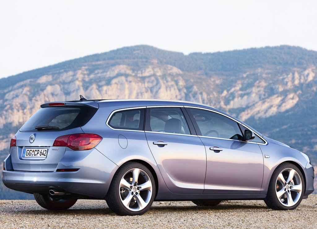 Wybitny Opel Astra IV Kombi za 65 000 zł - AUTOWIZJA.pl - Motoryzacja OC67